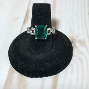 Jewelry - Cocktail ring nwot